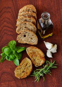 6 reasons why you should eate olive oil daily